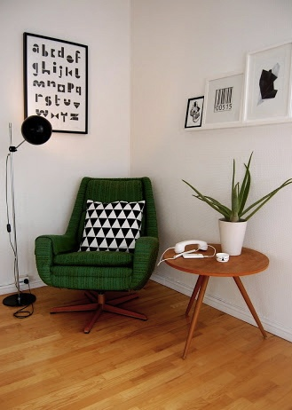 Scandinavian black white and green design, get the look on surroundedbypretty.com