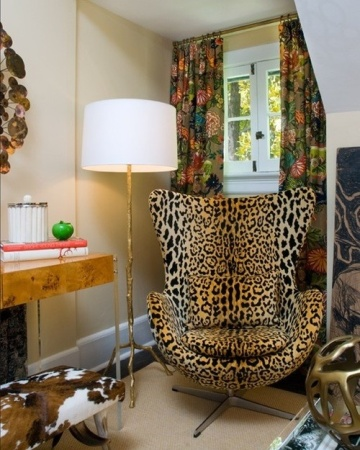 Mixing patterns and textures, and delivering some major roar with a leopard chair makes for a happy place on surroundedbypretty.com